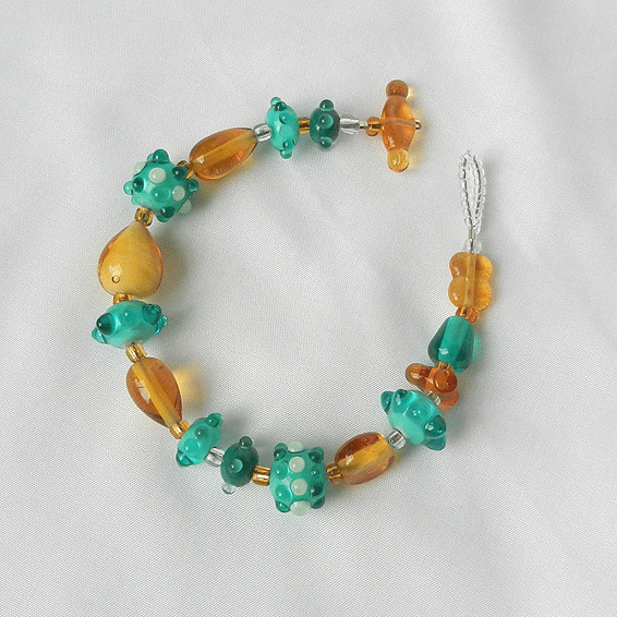 Glasschmuck, Armband mit handgefertigten Perlen aus Muranoglas, gruen, hellbraun, topas, Einzelanfertigung