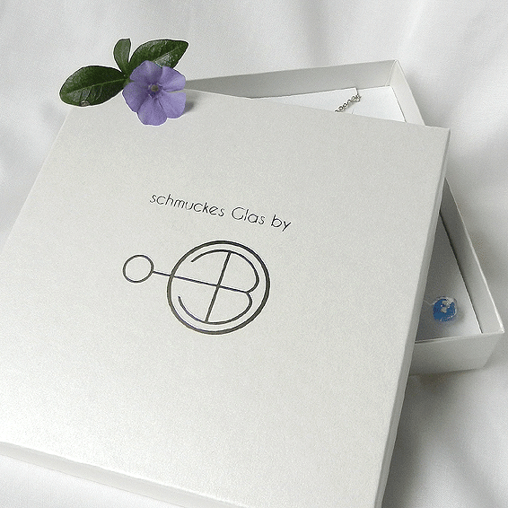 Schmuckschachtel mit logo schmuckes Glas